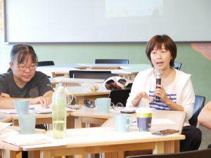 觀餐系謝如珍專案助理教授說明論文內容規劃