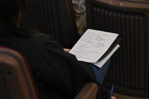 同學相當投入,還有抄筆記